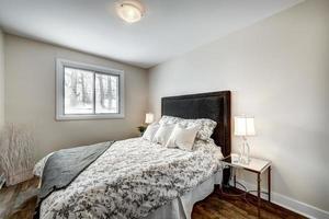 casa canadese di lusso moderna messa in scena arredata ristrutturata foto
