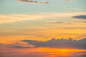 tramonto sulla spiaggia di ipanema a rio de janeiro, brasile foto