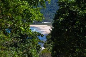 spiaggia di grumari sul lato ovest di rio de janeiro foto