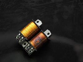 trasformatore elettrico con filo di rame foto