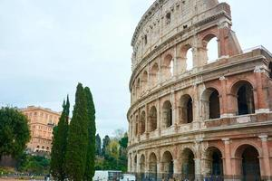 il Colosseo a Roma, Italia foto