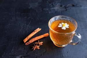tè caldo in una tazza, tè sano foto