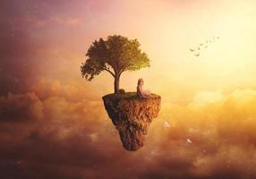 fantasia composita di uno sfondo surreale con una bambina seduta su un'isola galleggiante che lancia aeroplani di carta foto