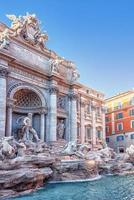 la famosa fontana di trevi a roma foto