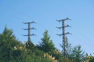 torre di trasmissione di energia elettrica foto