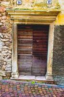 doppia porta in legno foto