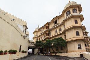 palazzo della città di udaipur nel rajasthan, india foto