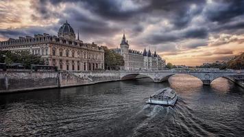città di parigi in francia foto