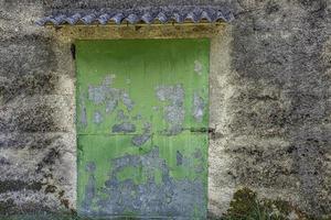 vecchia porta verde foto