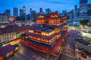 tempio del dente di buddha a chinatown a singapore foto