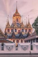 Tempio di ferro Wat Ratchanatdaram a Bangkok foto