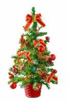 albero di natale isolato su sfondo bianco foto
