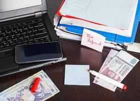 documenti per il rimborso delle tasse, situazione finanziaria, foto