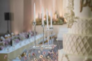 candele di nozze nella cerimonia di nozze foto