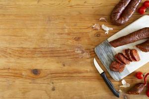 gustoso arrangiamento di salsiccia chorizo a casa foto