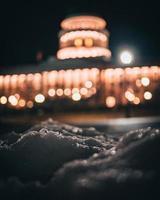 primo piano della neve in utah di notte foto