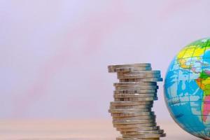 concetto di risparmio di denaro, concetto di crescita finanziaria e degli investimenti, finanza aziendale e concetto di risparmio di denaro foto