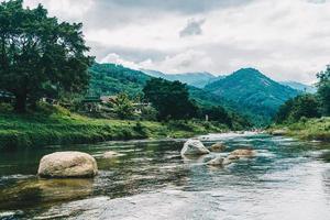 villaggio di kiriwong - uno dei migliori villaggi di aria fresca in thailandia e vive nella vecchia cultura in stile tailandese. situato a nakhon si thammarat, tailandia foto