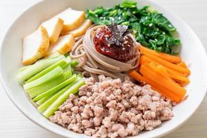 noodles freddi piccanti coreani foto