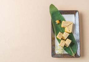 tamagoyaki, frittata arrotolata giapponese foto