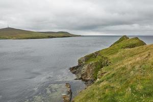 vista costiera a lerwick, isole shetland, scozia foto