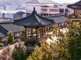 pergolato tradizionale coreano nella città di yeosu. Corea del Sud foto