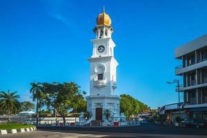torre dell'orologio giubilare a george town, penang, malesia foto