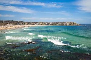 spiaggia di bondi vicino a sydney in australia foto