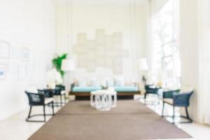 sfocatura astratta e interni e decorazioni sfocati del soggiorno foto