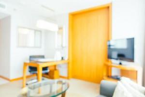 sfocatura astratta e interni sfocati del soggiorno foto