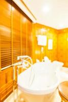 sfocatura astratta e servizi igienici e bagno sfocati foto
