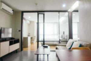 sfocatura astratta interno del soggiorno foto