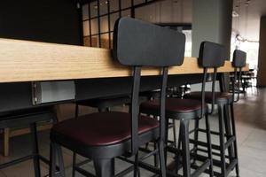 scrivania e sedie moderne foto