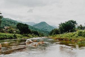 villaggio di kiriwong uno dei migliori villaggi di aria fresca in thailandia e vive nella vecchia cultura in stile thailandese situato a nakhon si thammarat thailand foto
