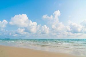 bellissima spiaggia e mare foto