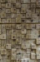 parete quadrata in legno foto
