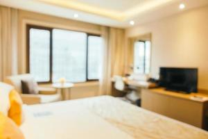 sfocatura astratta e interni sfocati della camera da letto foto