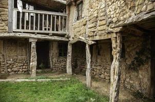 vecchie case di legno foto