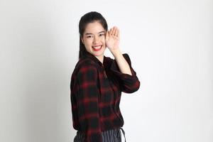 donna asiatica su sfondo bianco foto