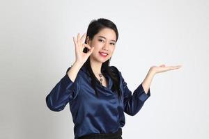 donna asiatica isolata foto