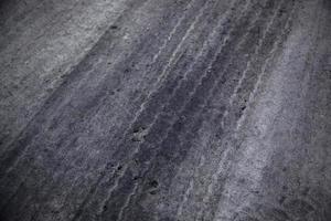 tracce di ruote su strada foto