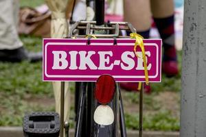 una bici ricca di dettagli foto