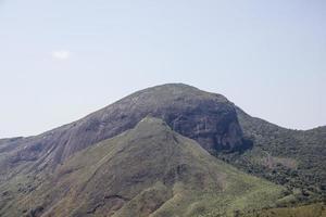 vista della pista di pietra cuca a petropolis foto