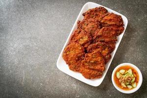 polpette di pasta di pesce fritte o torta di pesce fritta - stile asiatico asian foto