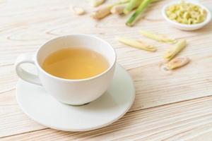 tazza di succo di citronella caldo foto