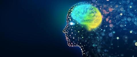 testa umana con una rete cerebrale luminosa foto