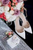 scarpe da sposa della sposa, bella moda foto