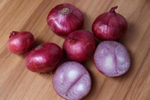 brodo di cipolla rossa sano e piccante foto