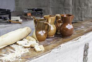 pentole e padelle di terracotta clay foto