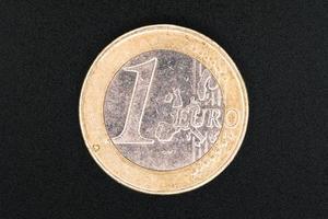 una moneta da un euro, primo piano foto